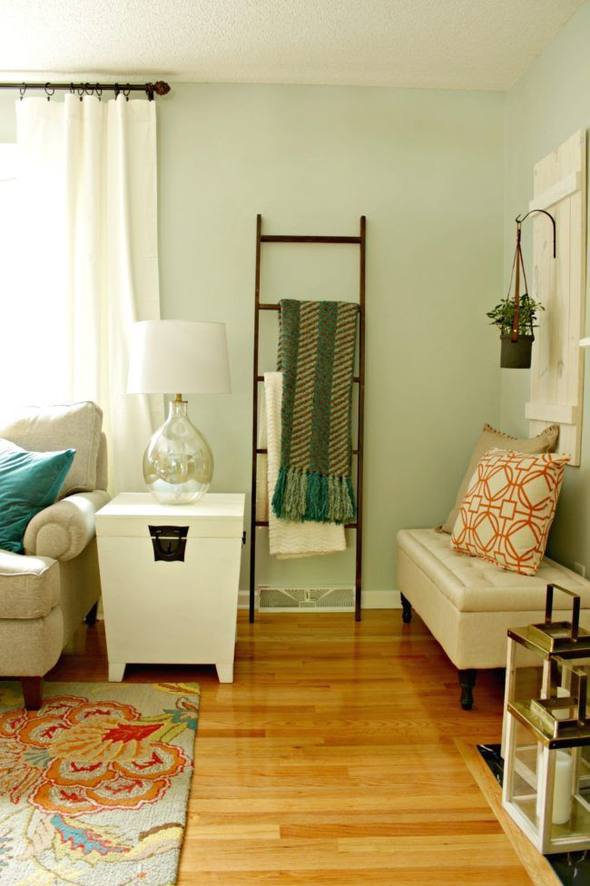 An Outdated Living Room Gets A Fall Makeover From Lowe S Home Improvement