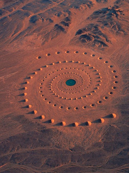 La spirale du Sahara - Desert Breath by architects Alexandra Stratou and Stella Constantinides, and artist Danae Stratou in the Egyptian sands