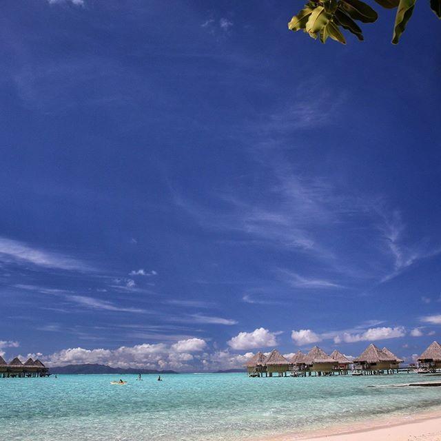 Beach with 2 Island in Background @intercontinental #borabora #island #paradise #southpacific #sun #beach #sunrise #amazing #dream #holidays #beautiful #bestvacations #photooftheday #picoftheday #photodujour #wedding #tahiti #polynesian #EdouardOTT #instagood
