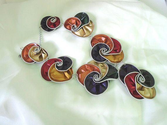 upcycled collier de capsules nespresso, collier de Vortex, collier coloratacollana, femme et en aluminium, été de jeune fille idée, spirales
