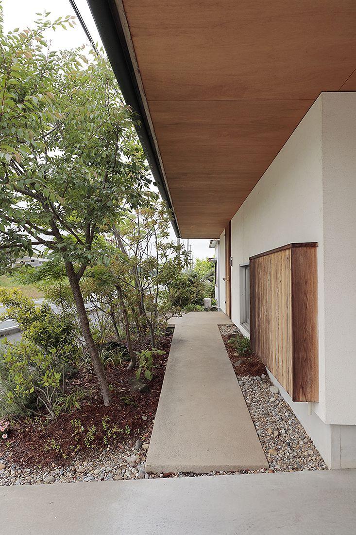 伊左地の家 2020 玄関アプローチ モダン 現代的な玄関ドア 玄関