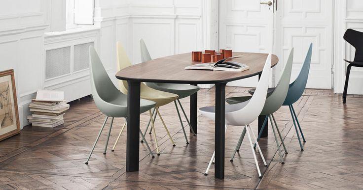 """Iconica sedia """"The Drop"""", Arne Jacobsen. Tavolo """"Analog"""" : non e' quadrato, non e ' ovale, non e' circolare"""