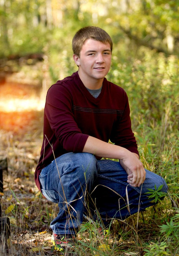 pictures of senior picture ideas for boys outside