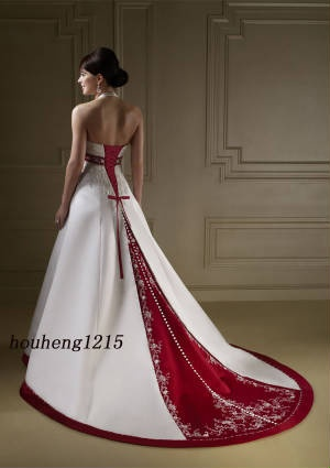 *Amazing* wedding dress...almost makes me want to get married.: Dresses Wedding, Red And White, Wedding Dressses, White Wedding Dresses, Bridal Dresses, Color, Bridal Gowns, The Dresses, Red Wedding