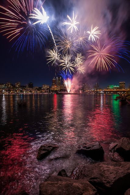 ~~Independence Day Fireworks ~ July 4th, Portland, Oregon by Andrew Curtis~~