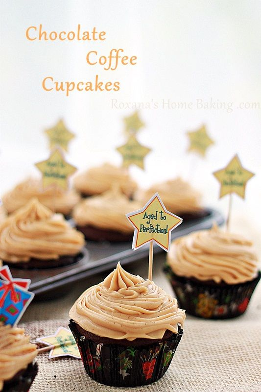 One of the easiest cupcakes I've made in a long time, these chocolate cupcakes with coffee cream cheese frosting are a great choice for both chocolate and coffee lovers