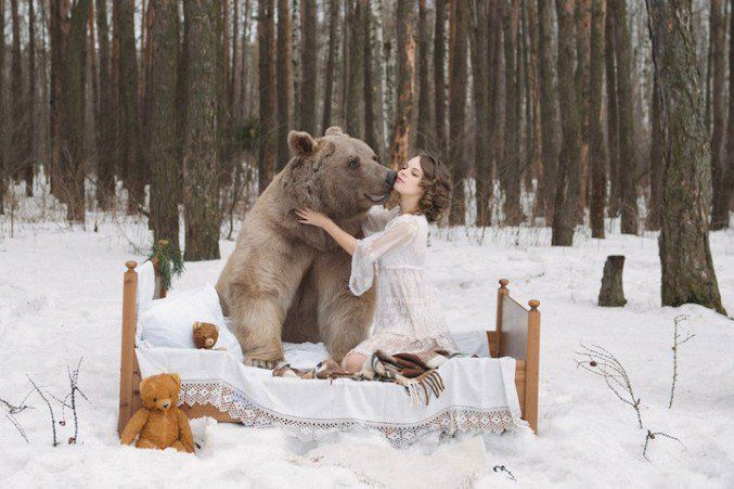 Russian Models Pose With A Real #Bear For An #AntiHunting Campaign #Photography