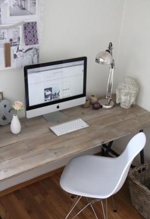 Home - inspiration - planke som skrivebord
