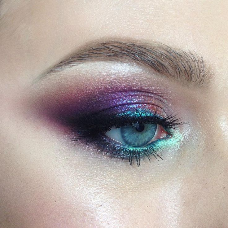 """198 Likes, 7 Comments - Школа макияжа FaceTime СПб (@sofia_baburina) on Instagram: """"Сегодня работали с цветом. Девочкам было немного страшно осваивать гелевые текстуры, но все…"""""""