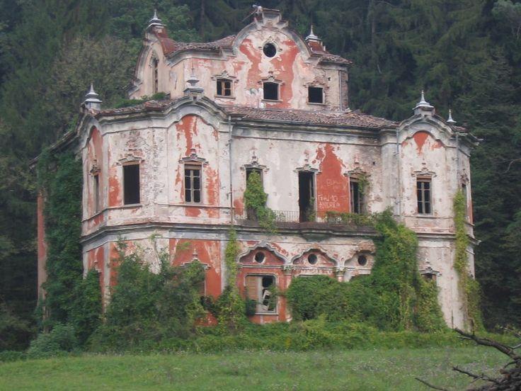 17 best images about casati e castelli diroccati on for Vecchi piani di casa artigiano