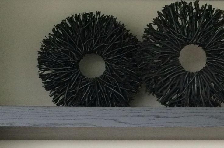 Wohnaccessoires aus gefärbtem Holz