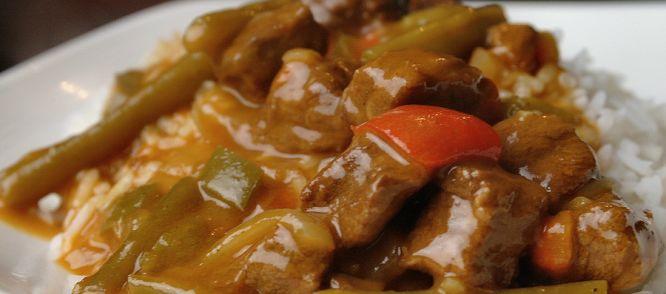 Hongaarse Goulash Uit De Crockpot recept | Smulweb.nl