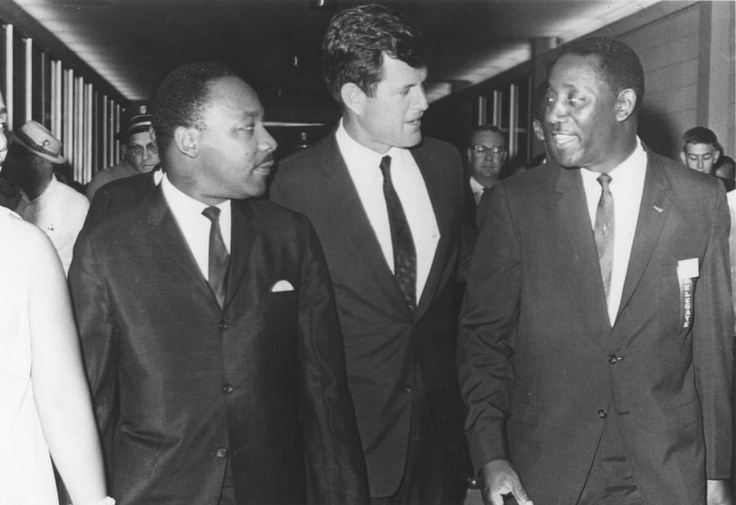 Dr. Martin L. King, Robert Kennedy & Charles Evers arriving for a speech at the SCLC