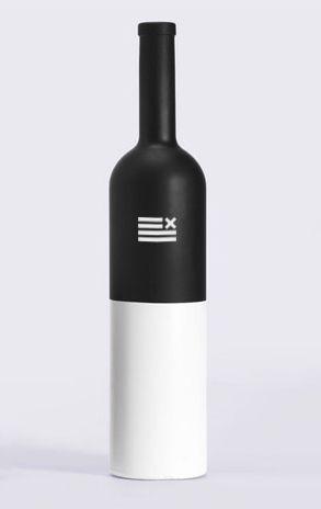 Dxpechef minimalist wine bottle packaging #minimalism #bottle #packaging