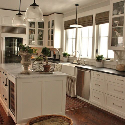 I need to find these light fixtures to replace those terrible ones in the kitchen!!