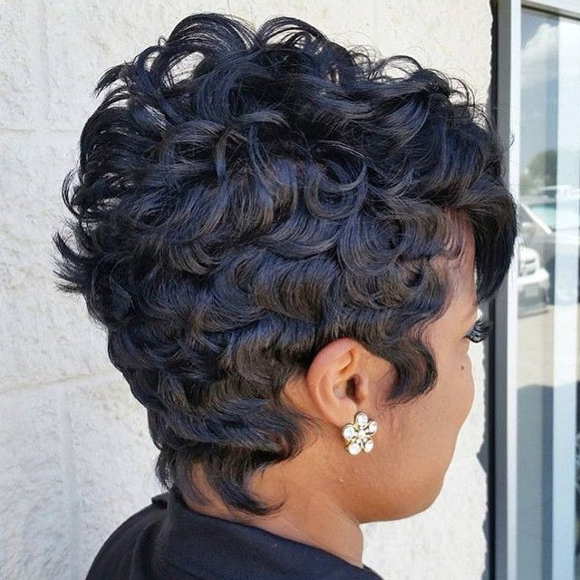 STYLIST FEATURE  Love this texture on this #pixiecut✂️ styled by #ArlingtonTX stylist @Nikki_H_Stylist❤️ Gorgeous #VoiceOfHair =================================== Get our FREE ebook at VoiceOfHair.com =================================== Find more #hairspiration and hair tips! ===================================