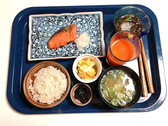 鮭 もずく酢 - 2件のもぐもぐ - 2/14鮭 もずく酢 豆腐味噌汁 by ishibashi