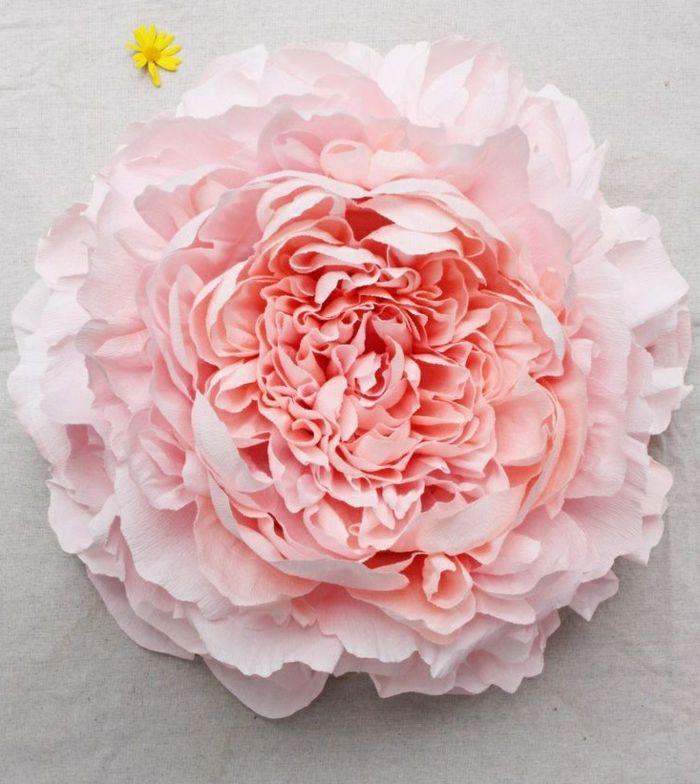 Les 25 meilleures id es concernant fleurs fabriqu es en - Activite avec papier crepon ...