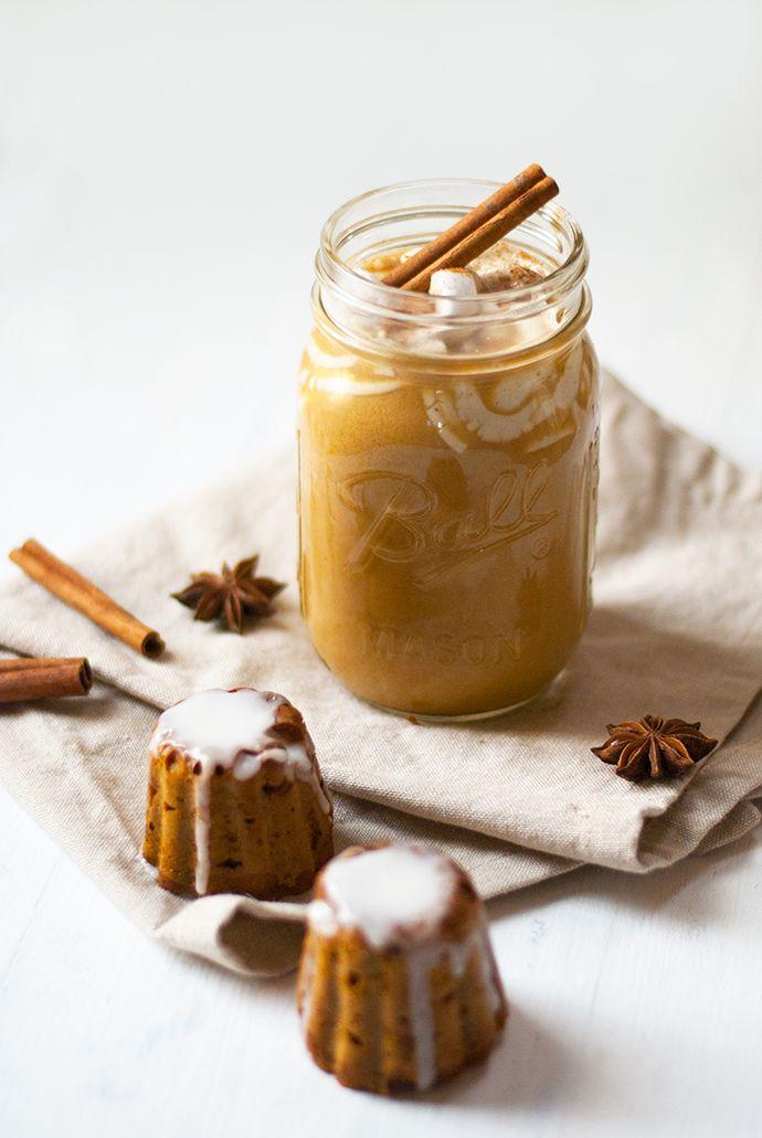 vegan pumpkin spice latte & mini pumpkin cannelés