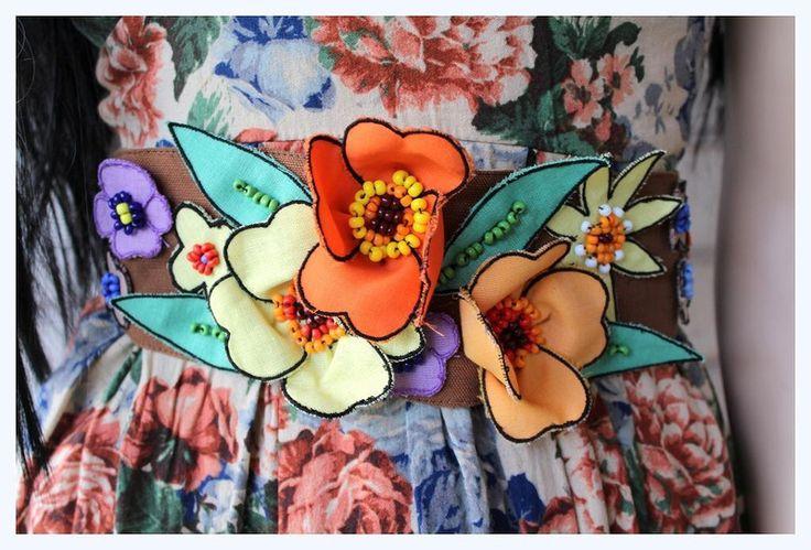 Einzigartiger Blumen Gürtel von *Coco Mademoiselle* auf DaWanda.com