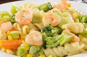 Αυτή την σαλάτα με μπρόκολο γαρίδες και ζυμαρικά, θα γίνει η αγαπημένη σου - http://ipop.gr/sintages/salates/afti-tin-salata-me-mprokolo-garides-ke-zimarika-tha-gini-i-agapimeni-sou/
