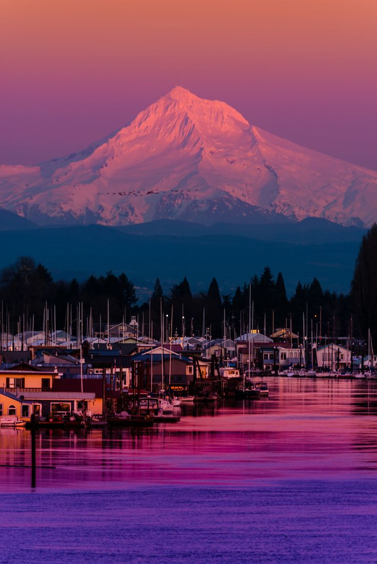 Mount Hood at Sunset over the Columbia River, Portland, Oregon, by Matt Payne, on 500px.