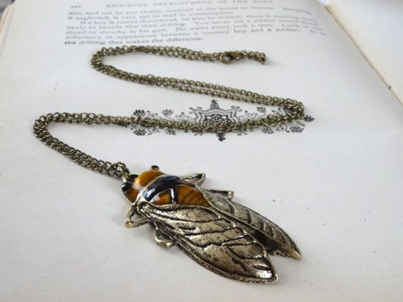 1- Cicada Necklace Beetle Halloween Flying Insect Locust Vintage Style Bronze Painted Creepy Crawler Bug Pendant Finished Necklace Inv0064