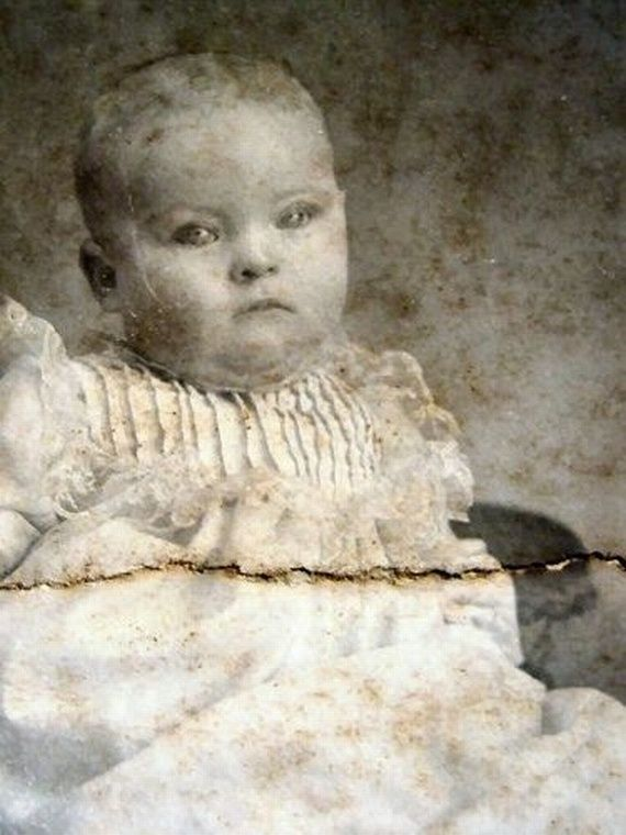 late 1800s infant photographed after death go bump in the night pinterest death. Black Bedroom Furniture Sets. Home Design Ideas