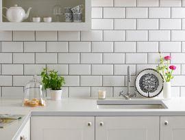 Metro White Wall Tile (20x10cm) | Topps Tiles