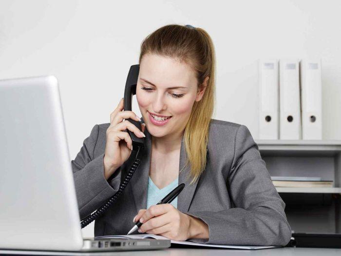 Assistant(e) de direction / Secrétaire de direction :  Etudes, diplômes, salaire , emploi, formation, rôle, compétences | Carrière Hôtesse