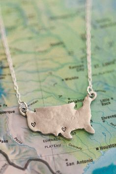 """M'kay, I REALLY, really love this """"state of my heart necklace"""" from Lisa Leonard Designs. Get up to four states stamped with a heart. ."""