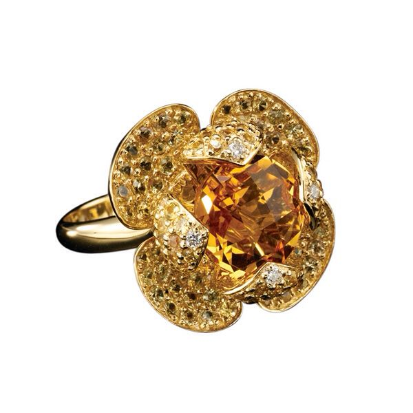 Bague citrines et or jaune. Ring set on gold with citrine inspired from the lotus' flower #ilflora #ilfloralotus