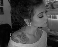 gorgeous shoulder tattoo