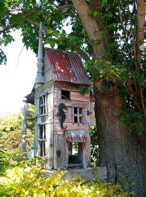 cute play house: Dolls Houses, Birds Houses, Design Interiors, Birdhouses Birds, Interiors Design, Fairies Houses, Plays Houses, Design Home, Rustic Birdhouses