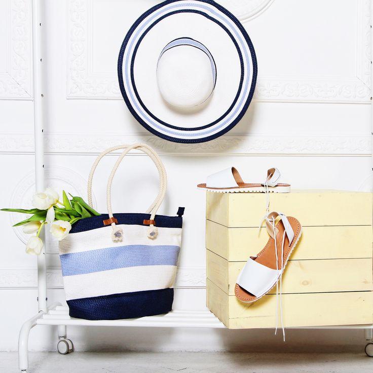 Respect представляет идеальный набор для пляжного отдыха🏖: белые сандалии с завязками, которые будут изумительно смотреться на загорелой ножке, объемная пляжная сумка и широкополая шляпка – настоящий хит сезона.🌟🌟🌟 Шляпа:GL31-4/5 white/blue Сумка: GLB17-4/5 Сандалии:VK58-096594 #respectshoes #iloverespect #shoes #ss17 #shopping #обувьреспект #шоппинг #весна #веснавrespectshoes