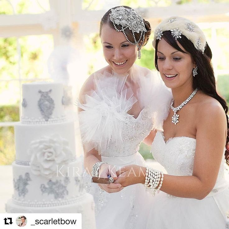Love is Love  @turningpaigeevents photo by @vanessabrown_photographer gowns @rebeccacobbing jewellery @wendylouisedesigns headpieces @belle.folie.designs @_scarletbow #lovers #marraigeequalityaustralia #equalrights #loveislove #whitewedding #winterwonderland #cutecouples #cutthecake #wedding #brides