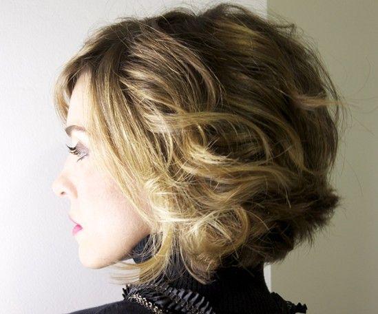 Cortes de cabelo ondulados curtos para as mulheres: Inverno Penteado