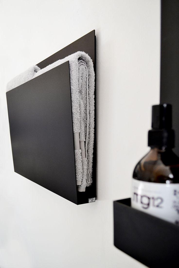 Wall-mounted electric aluminium towel warmer MAGAZINE BLACK I Geometrici | Towel warmer Collection by @mg12design  | design Monica Freitas Geronimi