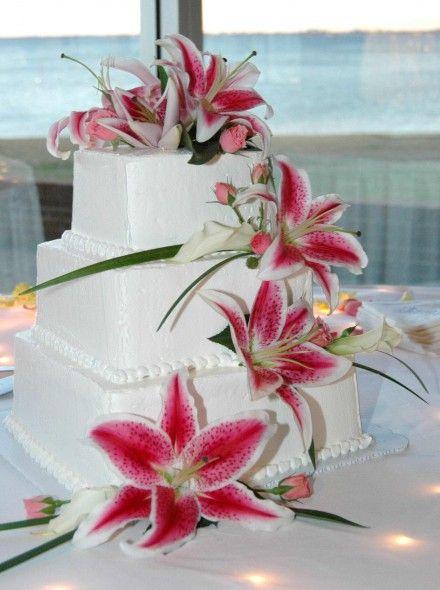 Hochzeitstorte eckig Lilien