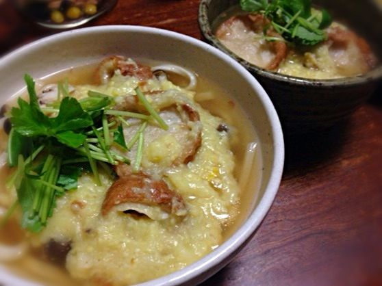 油麩は卵とじが普通ですが、cocoshiroさんのもちきびクリームを参考にして卵不使用にしてみました  オリジナルではカボチャが入っていますが、大雪のため買い物に行けず、代わりに長芋をすったのを入れました。  cocoshiroさん、もちきびレシピ、色々と使えますね❗  どうもありがとうございます - 82件のもぐもぐ - 油麩うどん by machimachicco