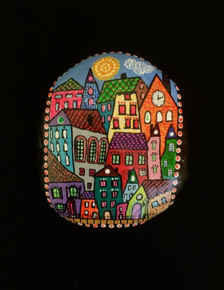 ❤~Piedras  Pintadas~❤♥⊰❁⊱ City buildings painted on stone!