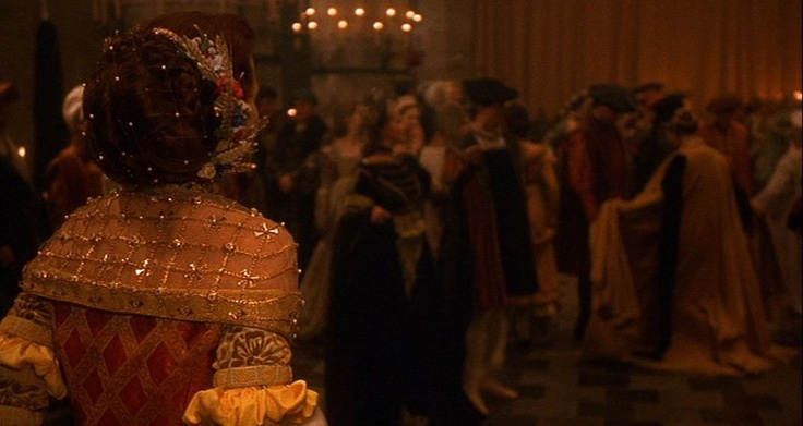 Claudia's wonderfull golden gown from Snow White a tale of terror. Costume design : Marit Allen
