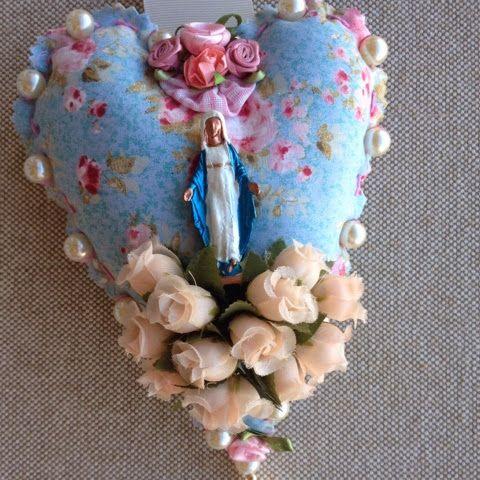 MARI COTA FULÔ: Escapulário de porta Nossa Senhora das Graças.
