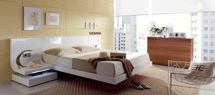 Cama de diseño en madera color blanco