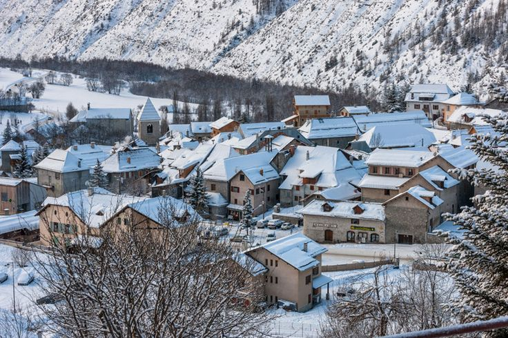Allos village in the snow