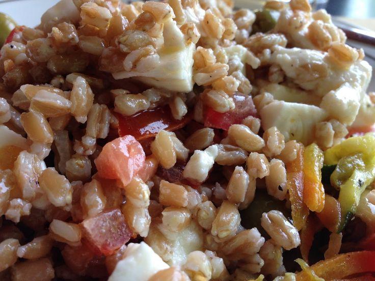 Buoooonnnnnnoooooo!!! :D   Questa estate si andrà di cous cous, quinoa, blugur, farro, cereali chi più ne ha più ne metta, insalate di riso ed insalate di pasta!!! :D   Grazie ancora a Stefano del @Albergo Ristorante Belvedere!!!  http://www.bimby-ricette.it/2015/06/con-e-senza-bimby-insalata-di-farro.html   Provate questa ricetta e ditemi se vi piace!!! :D  http://www.bimby-ricette.it/2015/06/con-e-senza-bimby-insalata-di-farro.html