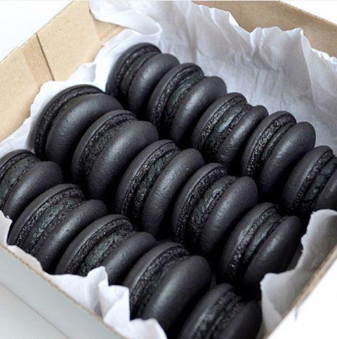 Diese All-Black Desserts sind die einzige Heilung …