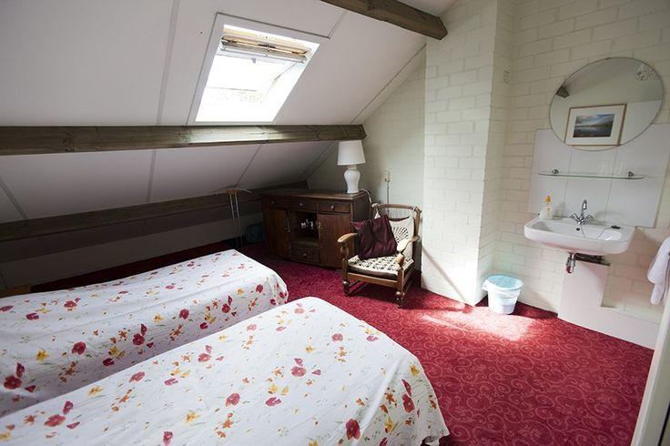 Kamer boven bed and breakfast Heesterveld Grinsel 75 Den Dungen, nabij Den Bosch, aparte bedden