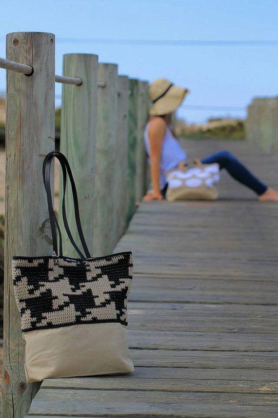 Pied de poule Crochet Bag with Shoulder Handles/ by WhiteSheepShop