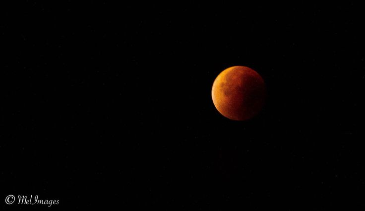 Lune rouge (red moon) Suisse